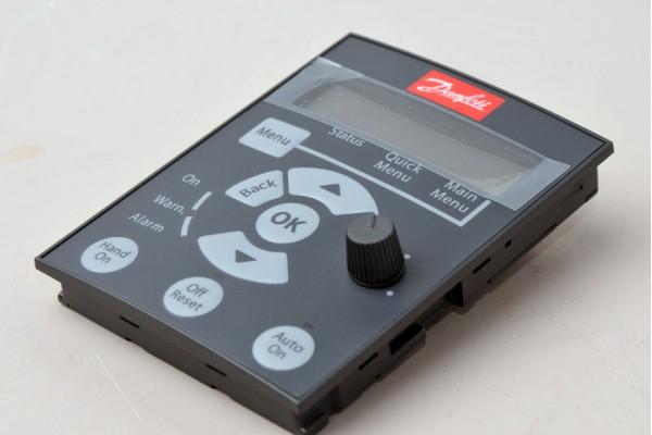 Панель управления частотного преобразователя Danfoss